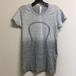 Lululemon ombré grey workout shirt